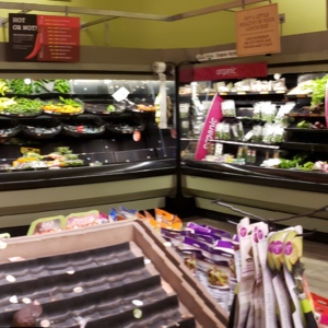 Hannaford produce on Friday, March 13th, 2020. Most items are gone.